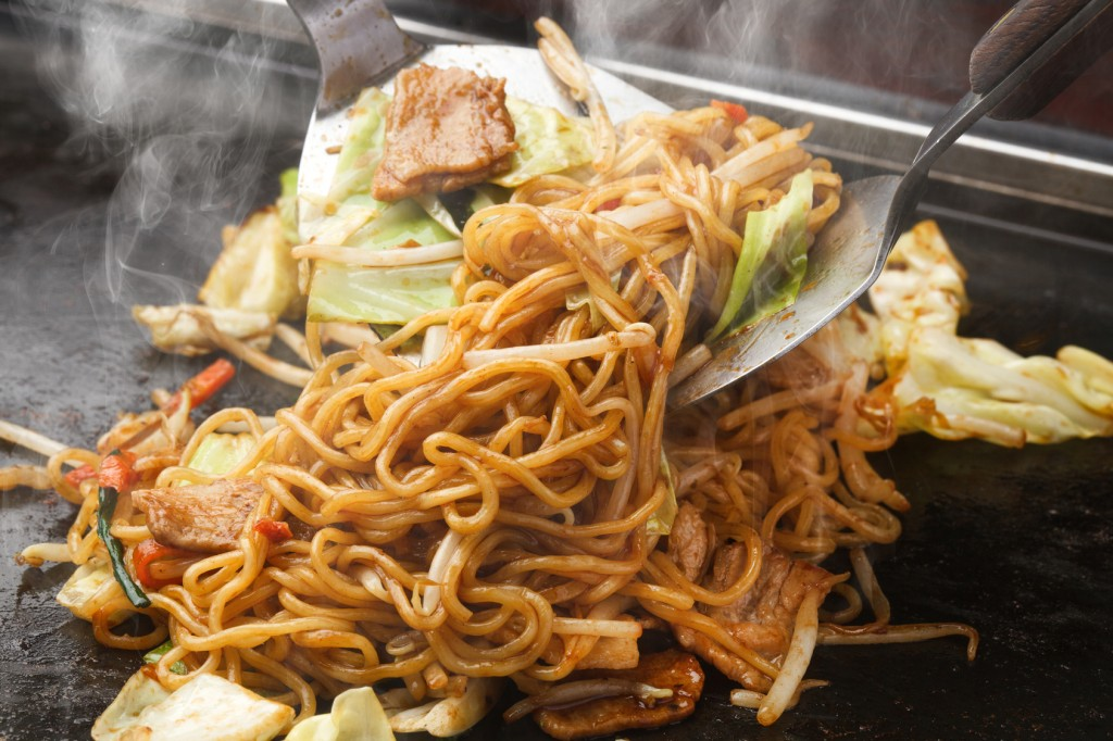 how to cook japanese yakisoba noodles